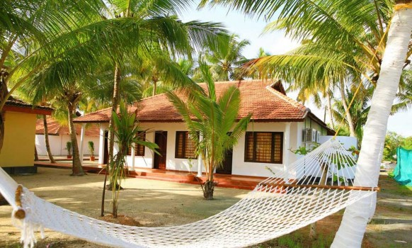 Hotel Info Situated In Neendakara Kollam Kerala The Regant Lake Palace Is A Confluence Of Alluring Serenity Comfort And Luxury