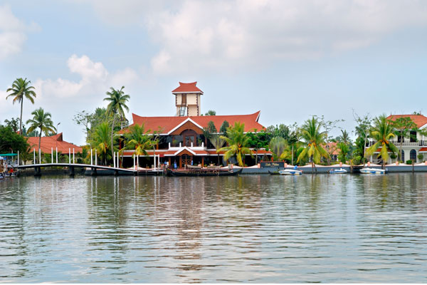 LAKE PALACE RESORT  - Alleppey - Alappuzha, Kerala