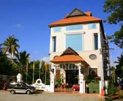 REGANT LAKE PALACE HOTEL